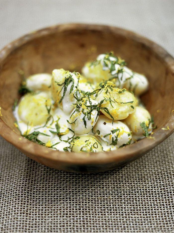 New potato salad with crème fraîche and mint