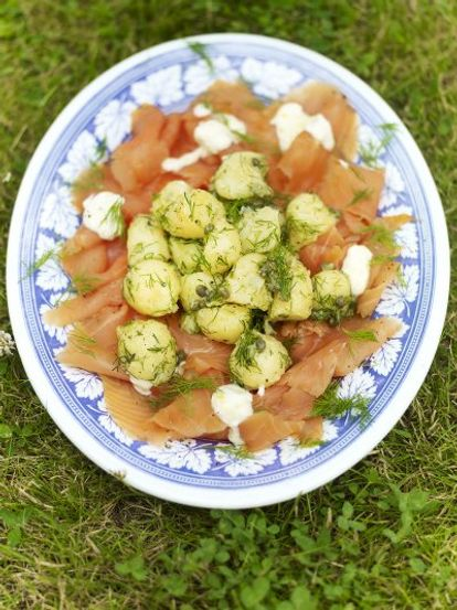 Potato salad with smoked salmon & horseradish crème fraîche