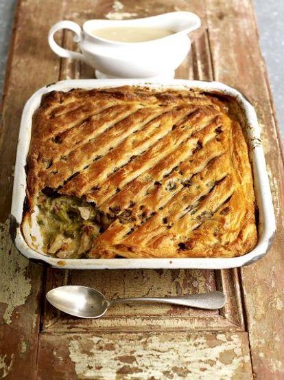 Turkey pie turkey recipes jamie oliver recipes turkey and sweet leek pie forumfinder Images