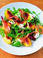 Mixed leaf salad with mozzarella, mint, peach & prosciutto