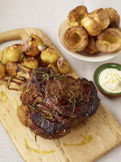 Roast forerib of beef with garlic & rosemary