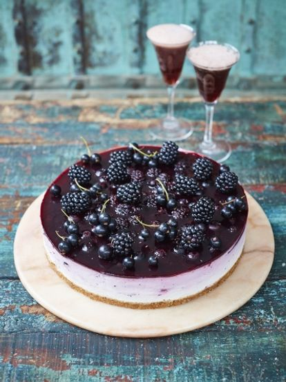 Blackcurrant ombré cheesecake