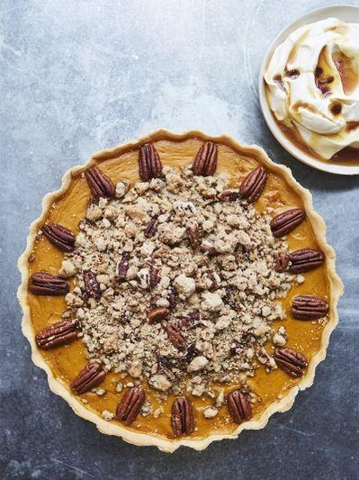 Pumpkin pie with pecan crumble