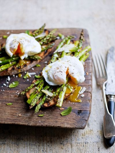 Grilled asparagus & poached egg on toast