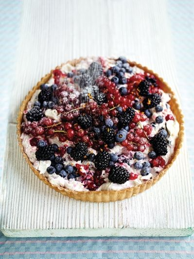 The quickest berry tart