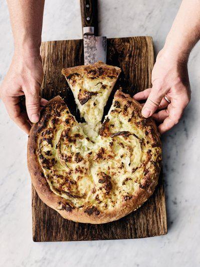 Cauliflower cheese pizza pie