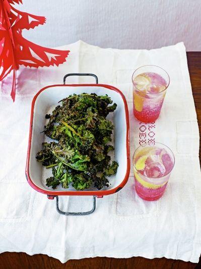 Salt & cinnamon kale crisps