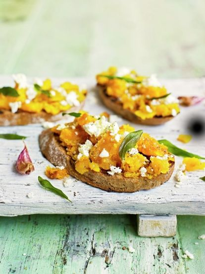 Squash & goat's cheese bruschetta