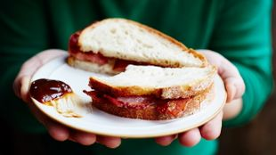 Jamie's ultimate bacon sandwich