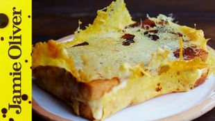 Cheese toastie with a crown: Jamie Oliver