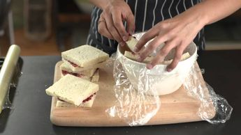 How to assemble a summer pudding