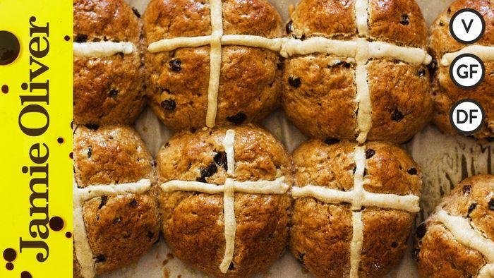 Gluten free Hot cross buns: Nicole Knegt