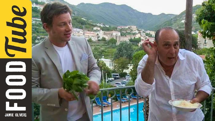 Jamie Oliver and Gennaro – How To Cook Mushroom Risotto