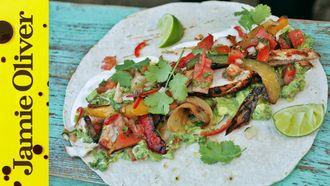BBQ chicken fajitas with spicy guacamole: DJ BBQ