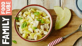 Potato, apple & chicken puree: Michela Chiappa