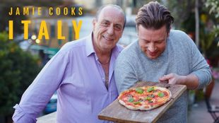 Jamie Cooks Italy – Pizza, Acquapazza, Pasta and Roasted Lamb