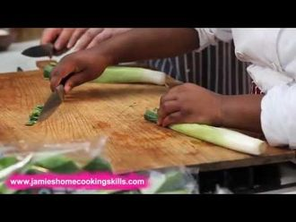 How to prepare spinach and leeks: Jamie's Food Team